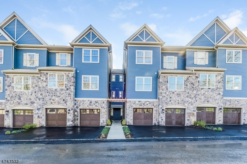Condominium for Sale at 406 MARINERS POINTE Hopatcong, New Jersey 07843 United States