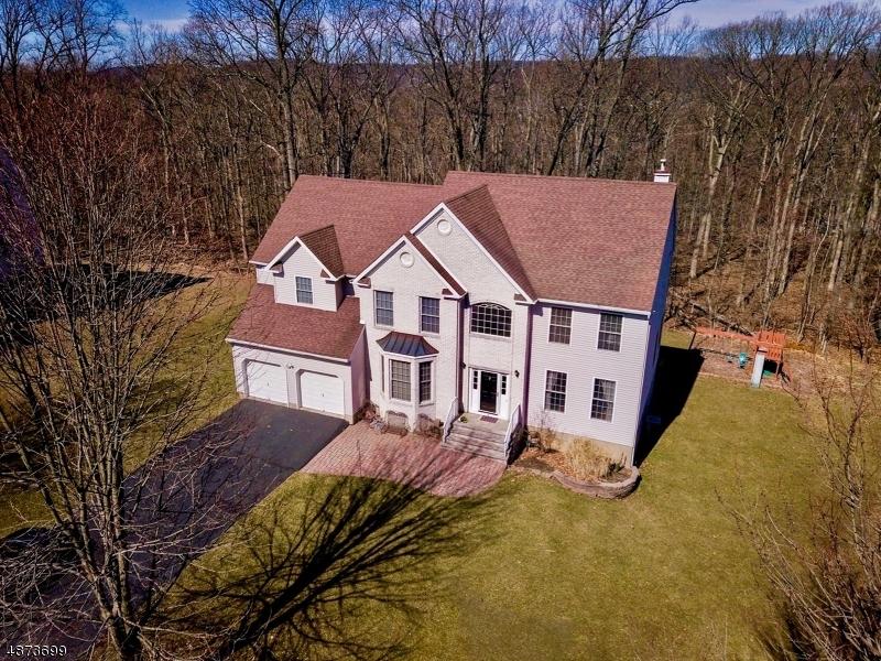 Villa per Vendita alle ore 4 SPRUCE HOLLOW ROAD Green Brook Township, New Jersey 08812 Stati Uniti