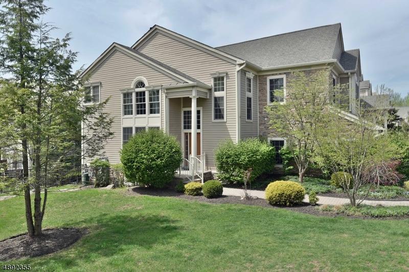 Condo / Casa geminada para Venda às North Haledon, Nova Jersey 07508 Estados Unidos