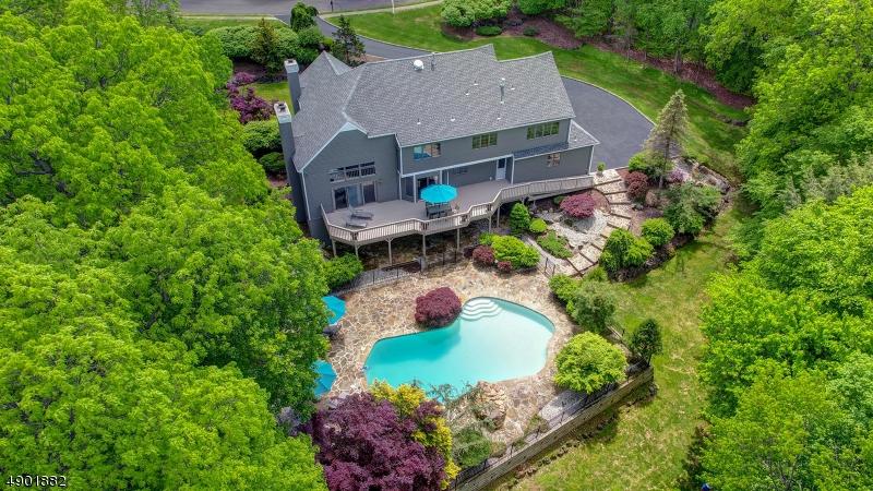 single family homes für Verkauf beim Bridgewater, New Jersey 08807 Vereinigte Staaten