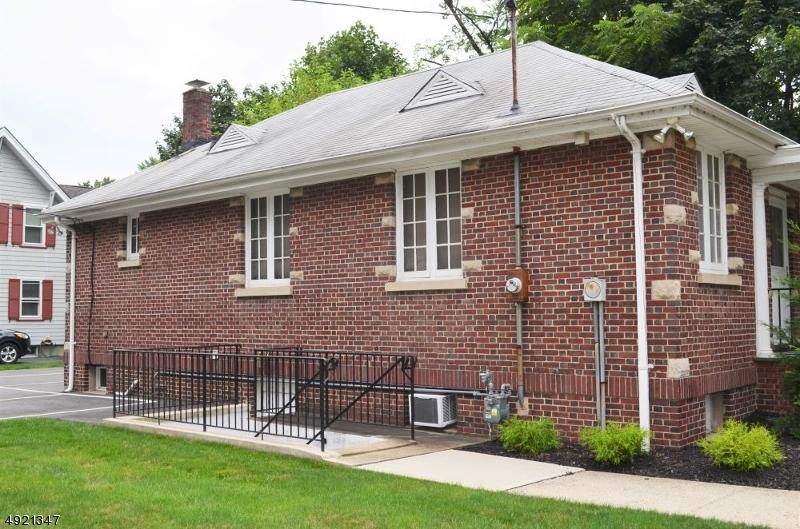 Property pour l à louer à Scotch Plains, New Jersey 07076 États-Unis