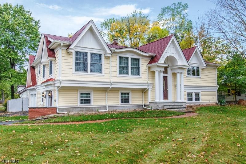 Single Family Homes 為 出售 在 Parsippany, 新澤西州 07054 美國