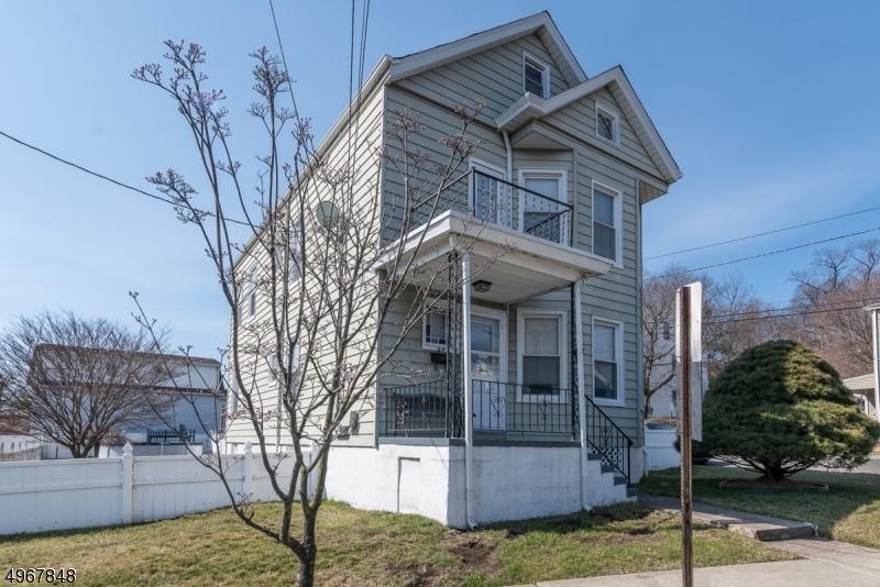 Multi-Family Homes per Vendita alle ore Prospect Park, New Jersey 07508 Stati Uniti