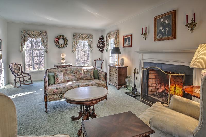 Additional photo for property listing at 42 Hickory Run Road  Califon, Нью-Джерси 07830 Соединенные Штаты