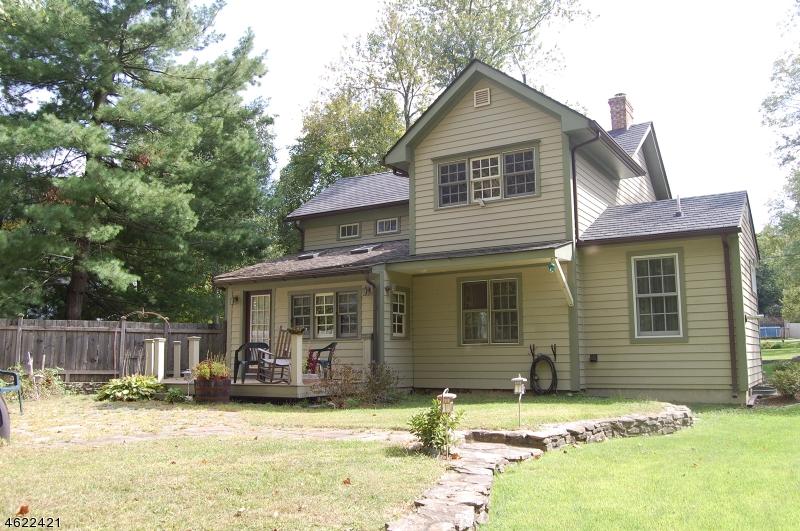 Maison unifamiliale pour l Vente à 42 KENT Road Oxford, New Jersey 07863 États-Unis