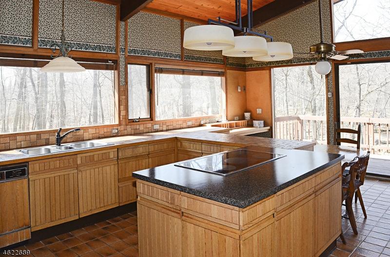 Additional photo for property listing at 68 Split Rock Road  Boonton, Нью-Джерси 07005 Соединенные Штаты
