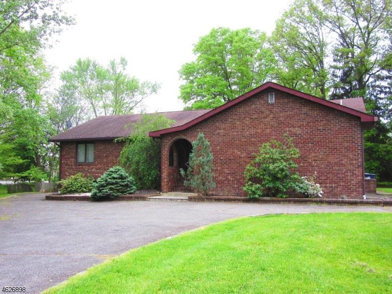 Частный односемейный дом для того Продажа на 260 Bee Meadow Pkwy Whippany, 07981 Соединенные Штаты