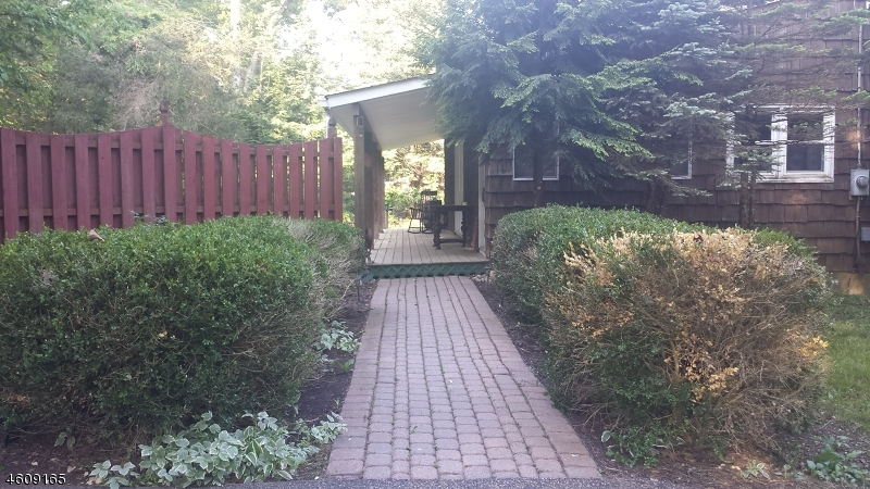 Additional photo for property listing at 1022 County Road 619  Newton, Нью-Джерси 07860 Соединенные Штаты