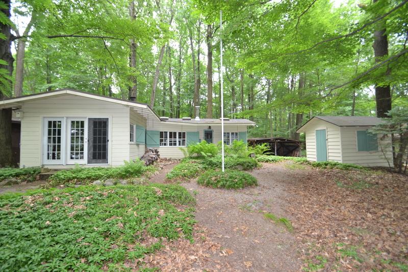 Casa Unifamiliar por un Venta en Estling Lake Rd-CAMP 26 Denville, Nueva Jersey 07834 Estados Unidos