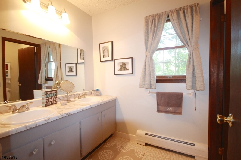 Additional photo for property listing at 23 Losey Road  Augusta, Nueva Jersey 07822 Estados Unidos