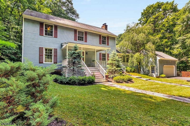 Maison unifamiliale pour l Vente à 6 Country Lane Califon, New Jersey 07830 États-Unis