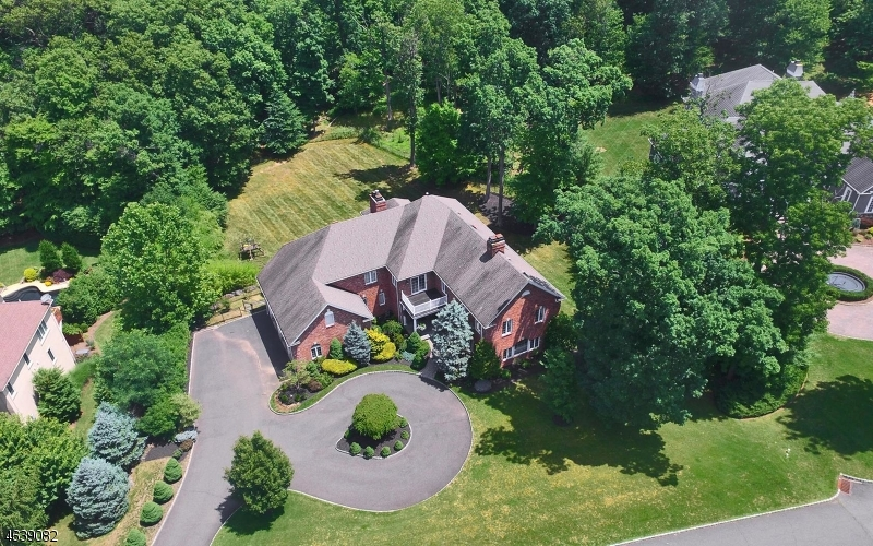 Single Family Home for Sale at 145 KNIGHTSBRIDGE Watchung, 07069 United States