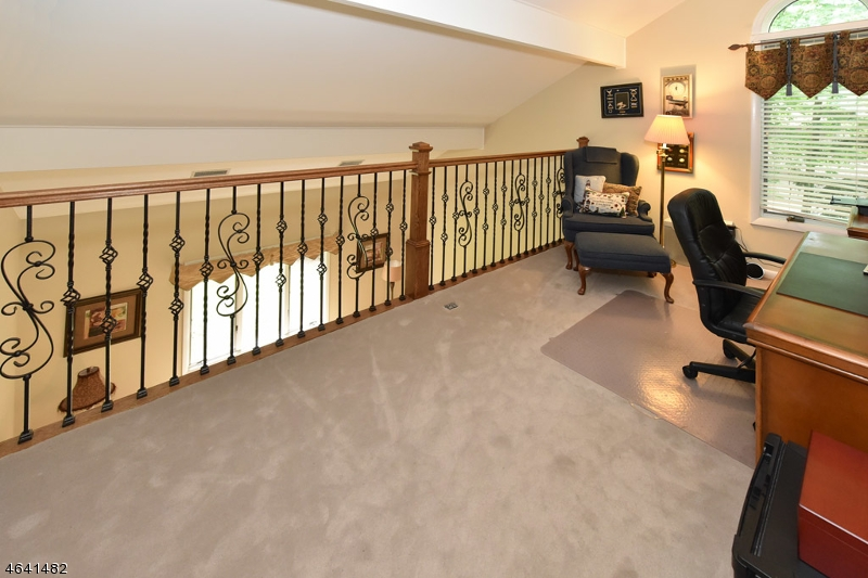 Additional photo for property listing at 1090 High Mountain Road  Franklin Lakes, New Jersey 07417 États-Unis