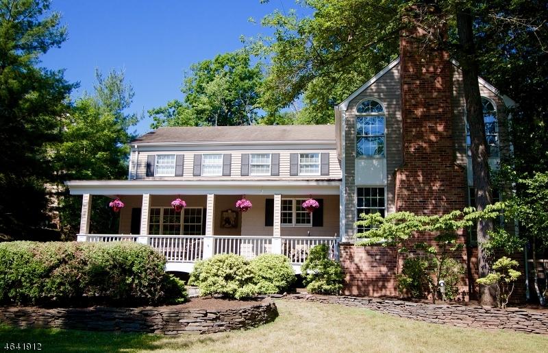 Частный односемейный дом для того Продажа на 60 Washington Drive Watchung, Нью-Джерси 07069 Соединенные Штаты