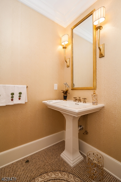Additional photo for property listing at 415 Metzger Drive  West Orange, Нью-Джерси 07052 Соединенные Штаты