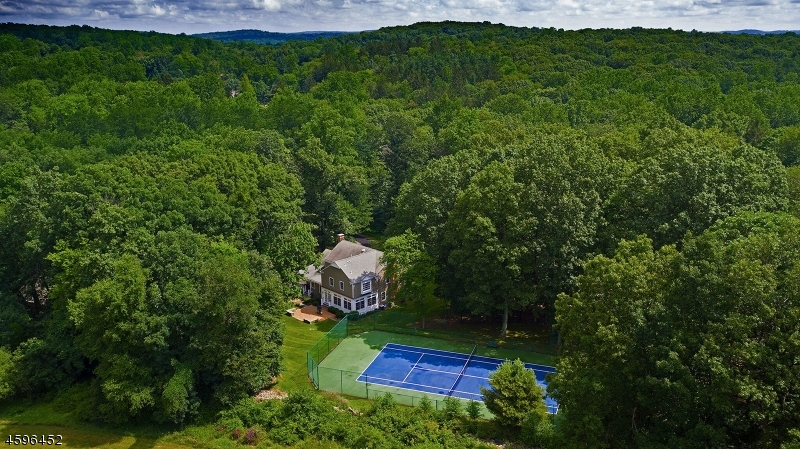 Частный односемейный дом для того Продажа на 42 Hickory Run Road Califon, Нью-Джерси 07830 Соединенные Штаты