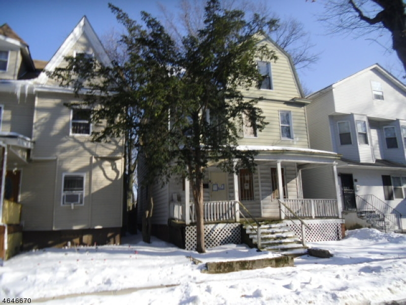 Additional photo for property listing at 32 N 16th Street  East Orange, New Jersey 07017 États-Unis