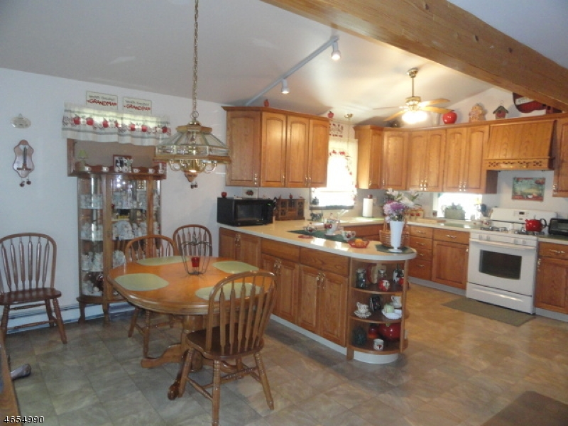 Additional photo for property listing at 2 Decker Pond Road  Sussex, Нью-Джерси 07461 Соединенные Штаты