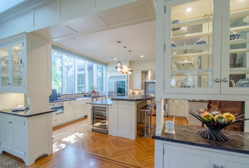 Additional photo for property listing at 205 FERNWOOD AVENUE  Montclair, Nueva Jersey 07043 Estados Unidos