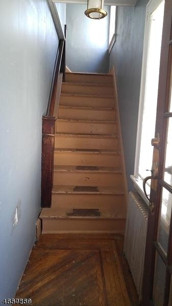 Additional photo for property listing at 723-725 MONROE Avenue  Elizabeth, Нью-Джерси 07201 Соединенные Штаты