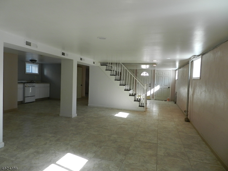 Additional photo for property listing at 1203 Kelly Street  Union, New Jersey 07083 États-Unis