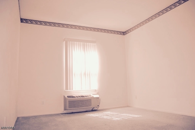 Additional photo for property listing at 9104 Richmond Road  West Milford, New Jersey 07480 États-Unis