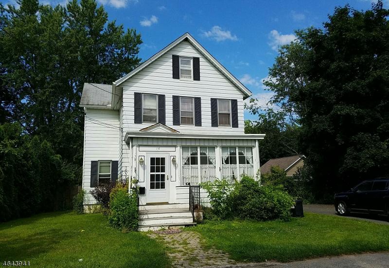 Maison unifamiliale pour l Vente à 16 Huff Street Wharton, New Jersey 07885 États-Unis