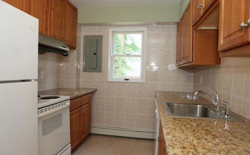 Additional photo for property listing at 312 Lake Shore Drive  Lake Hiawatha, New Jersey 07034 États-Unis