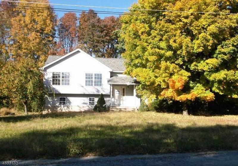 Частный односемейный дом для того Продажа на 3 Black Creek Road Glenwood, 07418 Соединенные Штаты