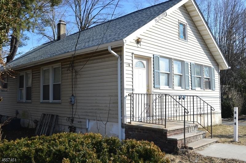 独户住宅 为 销售 在 844 Ringwood Avenue Haskell, 07420 美国