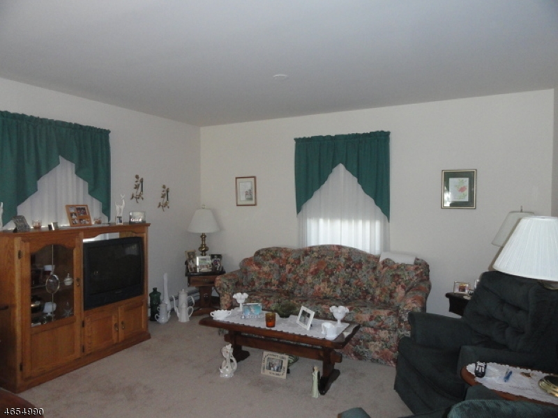 Additional photo for property listing at 2 Decker Pond Road  Sussex, New Jersey 07461 États-Unis