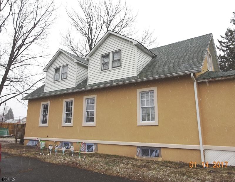 独户住宅 为 出租 在 1024 W Camplain Road 曼维, 新泽西州 08835 美国