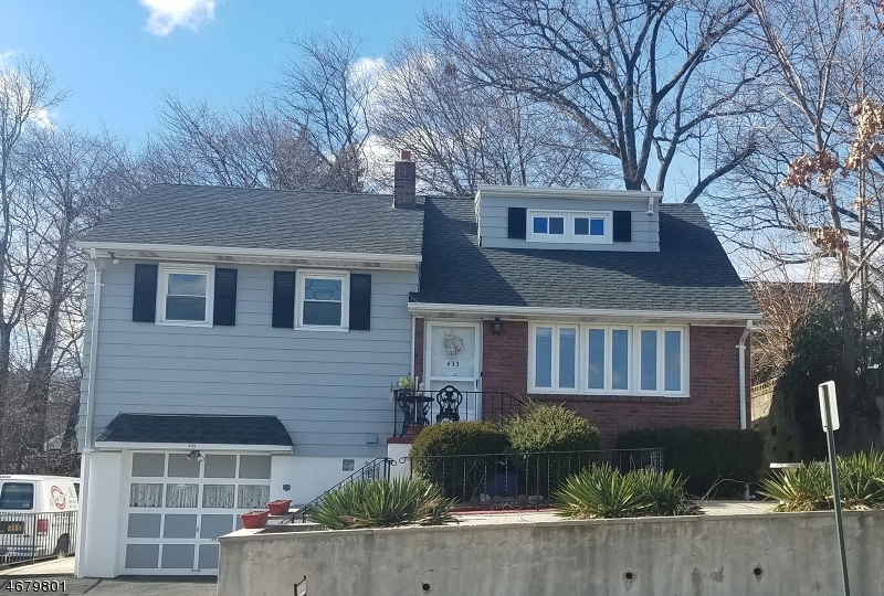 Single Family Home for Sale at 431 Hobart Avenue Haledon, 07508 United States