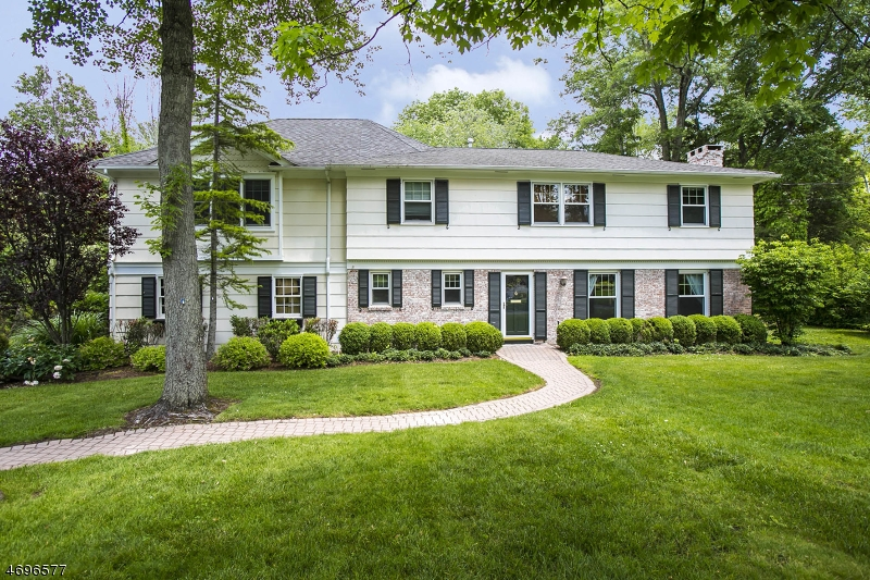 Частный односемейный дом для того Аренда на 9 Westview Road Millburn, Нью-Джерси 07078 Соединенные Штаты