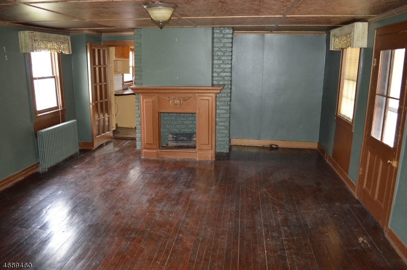 Additional photo for property listing at 9 William Street  Franklin, New Jersey 08873 United States
