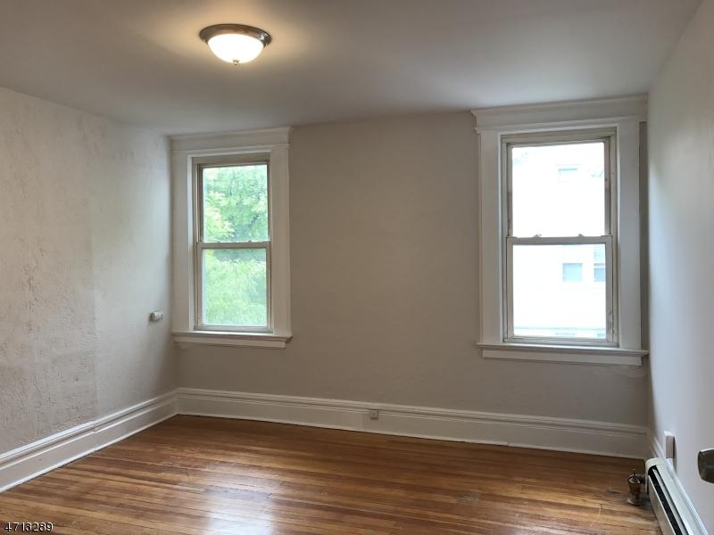 Maison unifamiliale pour l à louer à 18 Olive Street Bloomfield, New Jersey 07003 États-Unis
