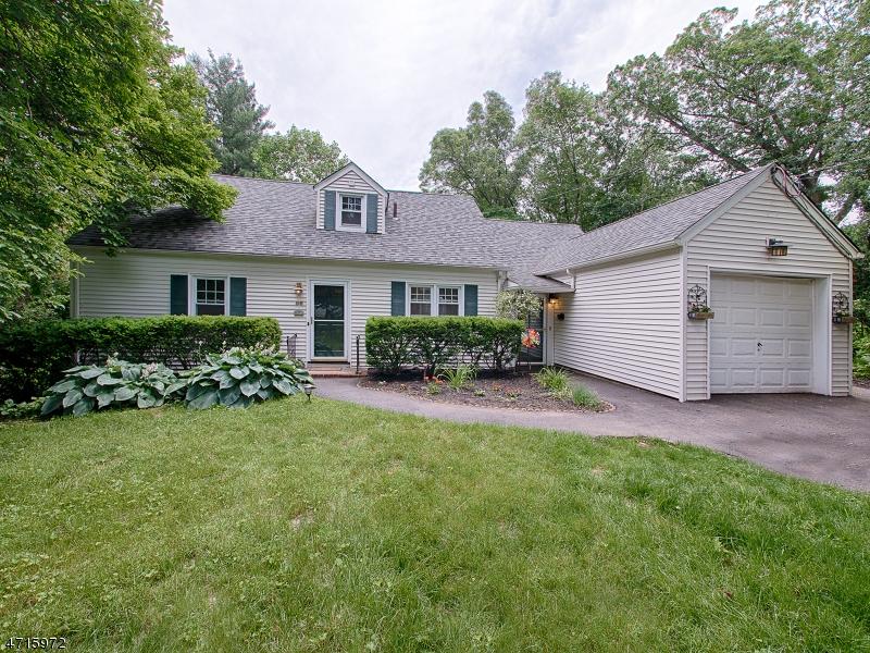Частный односемейный дом для того Аренда на 56 POLLARD Road Mountain Lakes, Нью-Джерси 07046 Соединенные Штаты