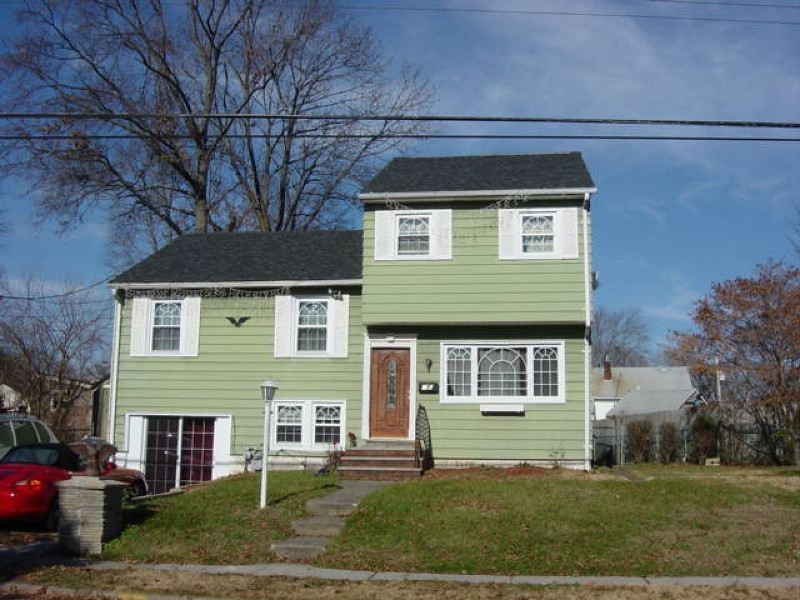 Частный односемейный дом для того Аренда на 235 Maple Avenue Pompton Lakes, Нью-Джерси 07442 Соединенные Штаты