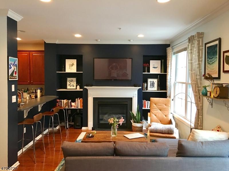 Casa Unifamiliar por un Alquiler en 604 Donato Circle Scotch Plains, Nueva Jersey 07076 Estados Unidos
