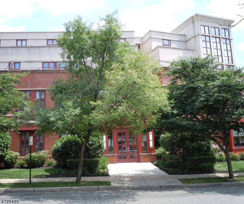 Maison unifamiliale pour l à louer à 85 Park Ave, UNIT 402 Glen Ridge, New Jersey 07028 États-Unis