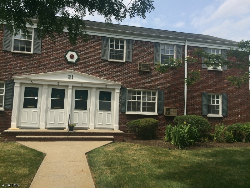Single Family Home for Rent at 21D Colfax Manor Roselle Park, New Jersey 07204 United States