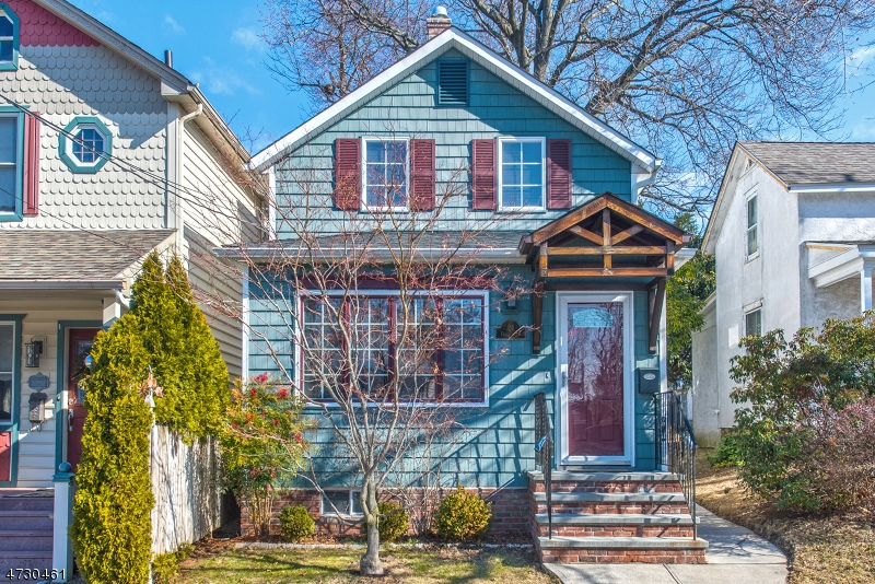 Single Family Home for Sale at 24 Center Street Midland Park, New Jersey 07432 United States