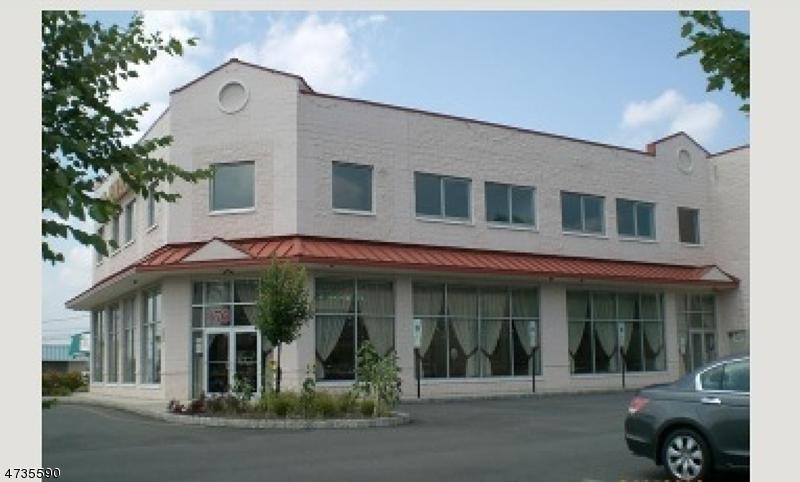 Commercial pour l à louer à 176 US-46 Parsippany, New Jersey 07054 États-Unis