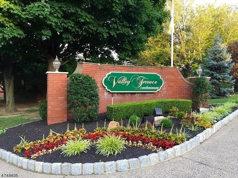 Частный односемейный дом для того Аренда на 1144-2A VALLEY Road Wayne, Нью-Джерси 07470 Соединенные Штаты