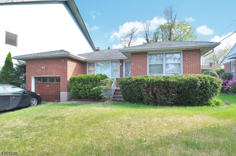 Maison unifamiliale pour l à louer à 5 Princeton Place Westwood, New Jersey 07675 États-Unis
