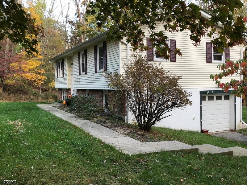 Casa Unifamiliar por un Venta en 918 EDGEWOOD Drive Stillwater, Nueva Jersey 07875 Estados Unidos