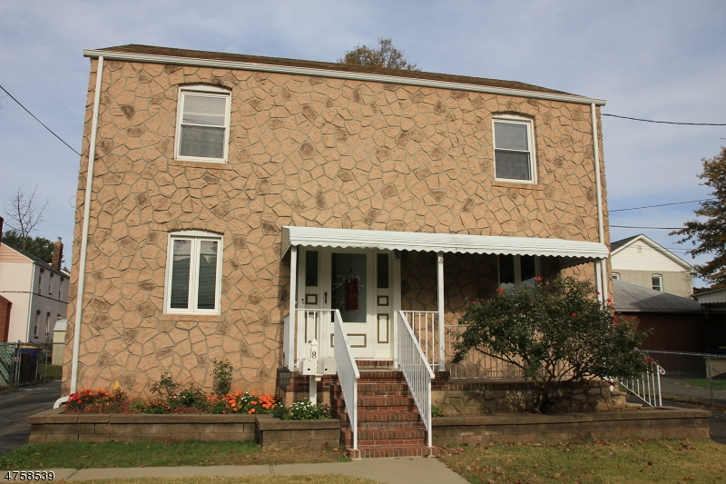 Single Family Home for Rent at 8 Edgewood Ter South Bound Brook, New Jersey 08880 United States
