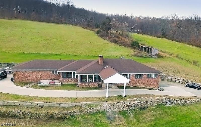 Casa Unifamiliar por un Venta en 86 George Hill Road Frankford Township, Nueva Jersey 07826 Estados Unidos