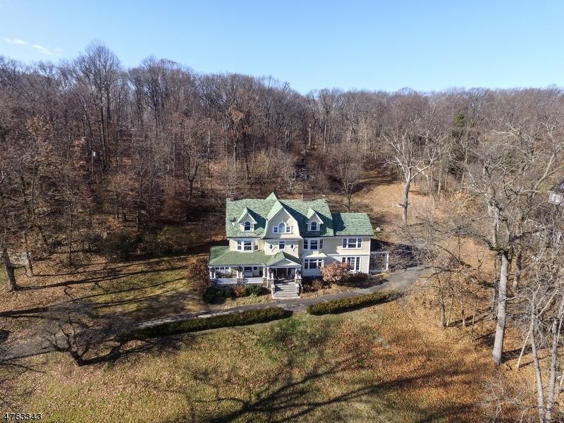 Casa Unifamiliar por un Venta en 172 Lloyd Road Montclair, Nueva Jersey 07042 Estados Unidos