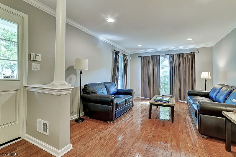 Condo / Townhouse for Sale at 16 Peach Tree Lane North Haledon, New Jersey 07508 United States